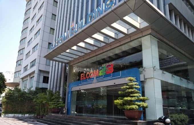 Lối vào văn phòng tòa nhà Elcom Building
