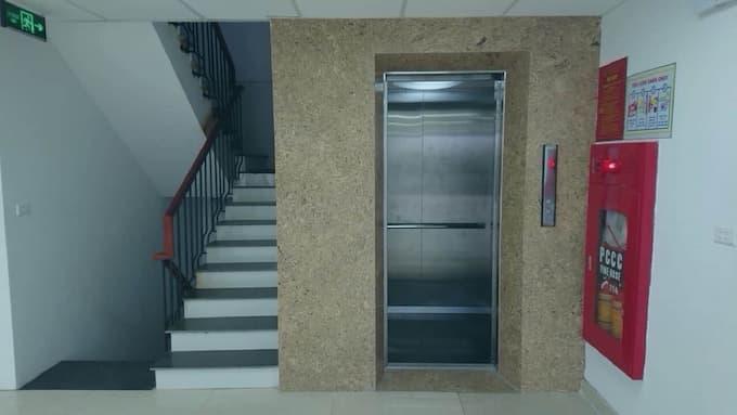 Sảnh thang máy tòa nhà Vietmec Long Biên