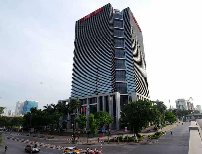 Tòa nhà Petrovietnam tọa lạc tại số 18 Láng Hạ